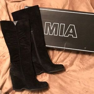 MIA tall suede boots size 9 Black with wedge heel